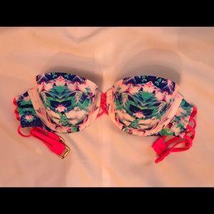 Patterned strapless bikini
